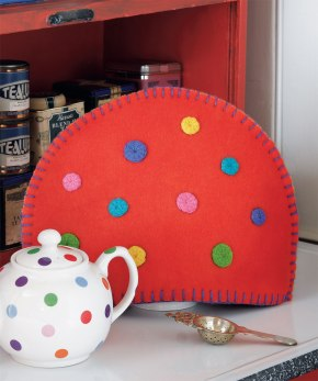 Free Project: Going Dotty Tea Cozy + Oat Scones from ColorfulStitchery